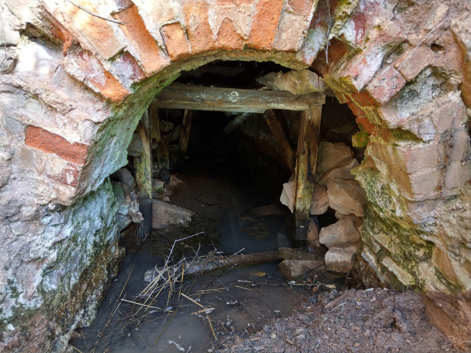 Un poco de los minerales y la historia de Valdeplata en Calcena (Zaragoza)